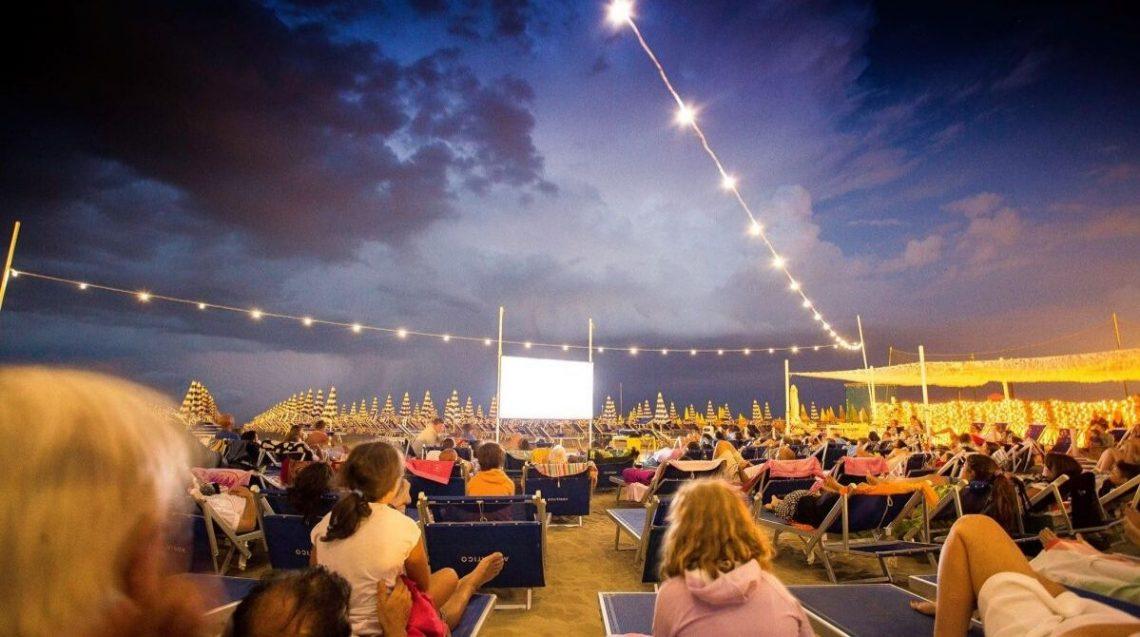 cinema in spiaggia a Rimini